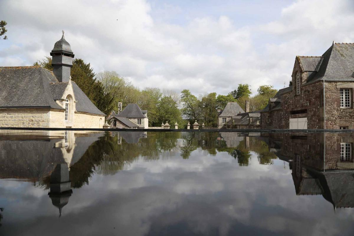 Vue de l'exposition au château de Trégarentec